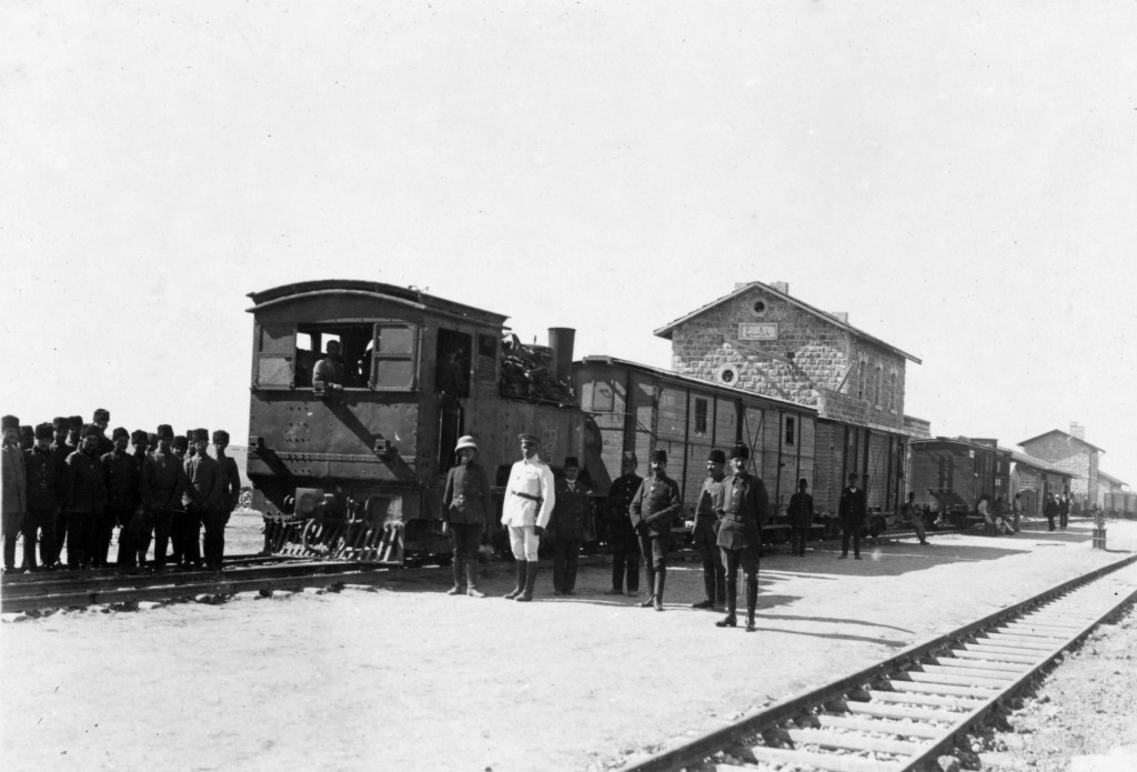 תחנת הרכבת הטורקית בבאר שבע כפי שנראתה בשנת 1917 - צילום: Library of Congress's