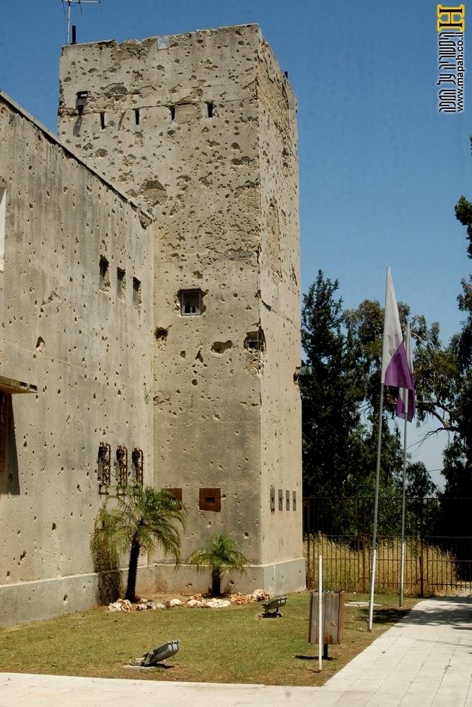 צריח מבנה משטרת עיראק סווידן - מצודת יואב - צילום:אפי אליאן