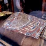 """המומיה """"אלכס"""" במכון האפיפיורי למקרא בירושלים - צילום: אפי אליאן"""