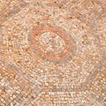 צילום מקורב על אחת מדוגמאות הפסיפס באשקלון