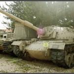 """תצוגת טנקי השלל במוזיאון בתי האוסף של צה""""ל"""