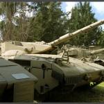 """שורת טנקים מדגם מרכבה במוזיאון בתי האוסף של צה""""ל - צילום: אפי אליאן"""
