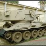 """טנק שלל מתוצרת ברית המועצות במוזיאון בתי האוסף של צה""""ל"""