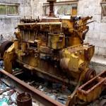 מנוע הקטרפילר אשר הפעיל את משאבת המים שהותקנה במקום בשנת 1947