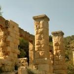 שרידי מבנה מפואר בשמורת הסטף