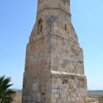 צידו הדרום מערבי של מגדל המינרה בתל יבנה