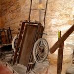 עגלה אשר שימשה להעברת גפן ליקב לשם ייצור יין