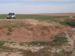 השחתת אתר ארכיאולוגי בתל מארבים - צילום: באדיבות היחידה למניעת שוד ברשות העתיקות