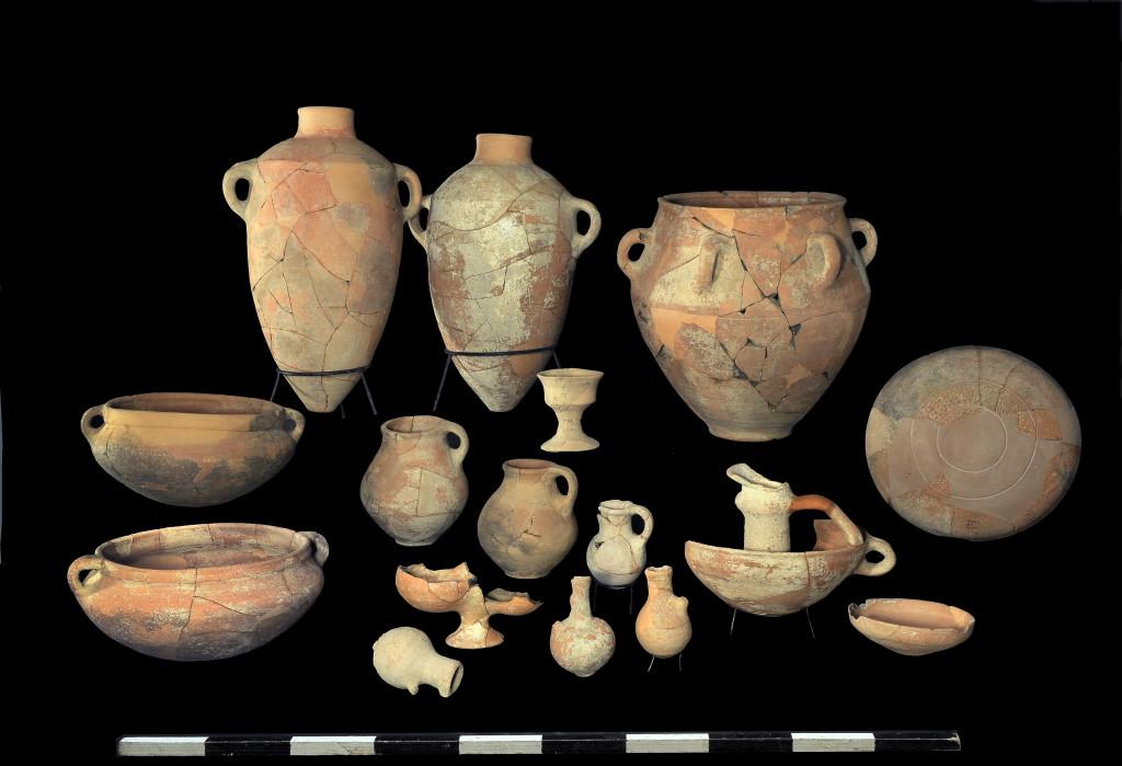 ממצאים מהחפירה. צילום:  קלרה עמית, באדיבות רשות העתיקות