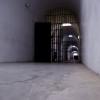 פרוזדור הכניסה למוזיאון אסירי המחתרות - צילום: אפי אליאן