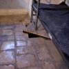 פתח המילוט למנהרה במוזיאון אסירי המחתרות - צילום: אפי אליאן