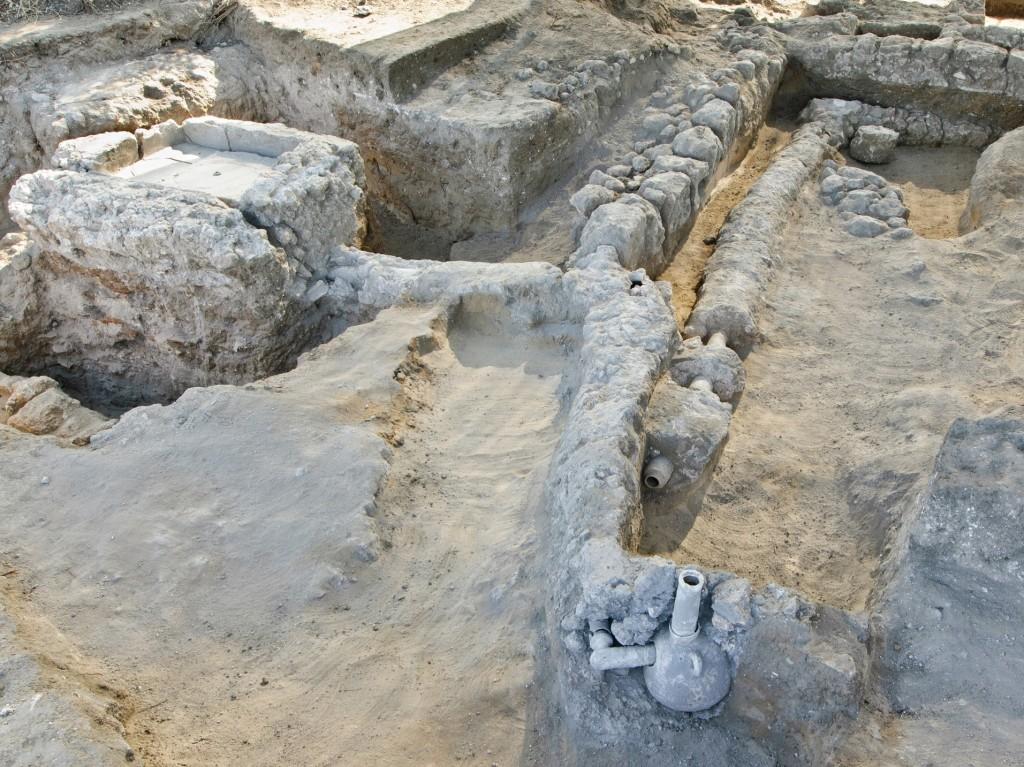 מערכת המזרקה שנחשפה ליד רמלה - צילום: אסף פרץ, באדיבות רשות העתיקות