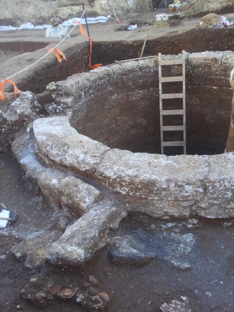 פי הבאר שנחשפה ברמת החיל - צילום - חמי שיף, באדיבות רשות העתיקות