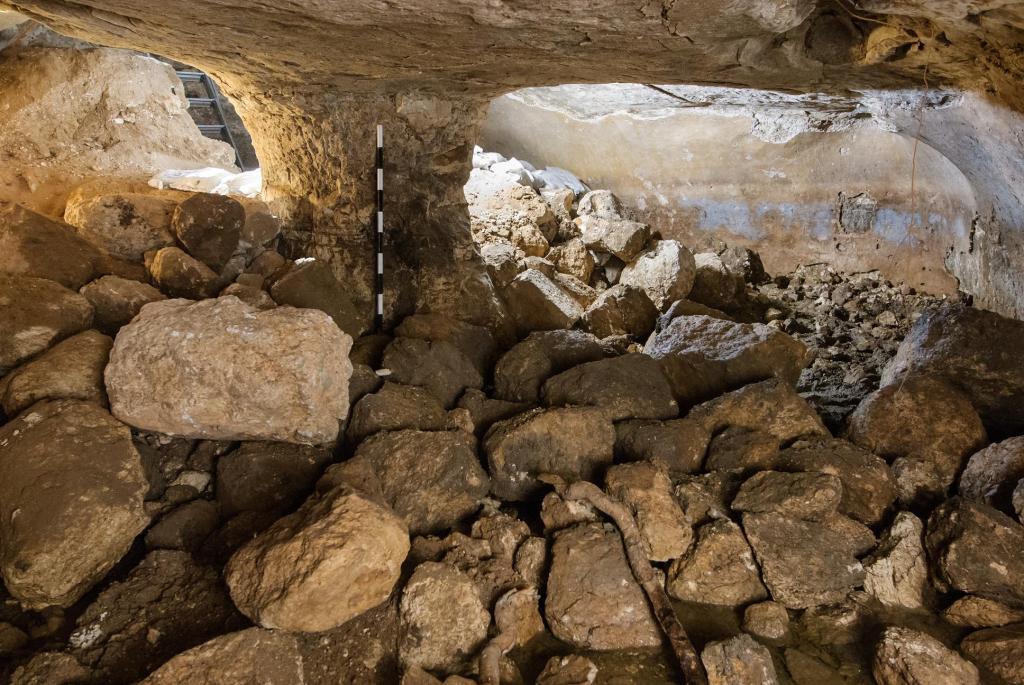 מאגר המים של מתקופת בית שני בצומת האלה - צילום: אסף פרץ רשות העתיקות