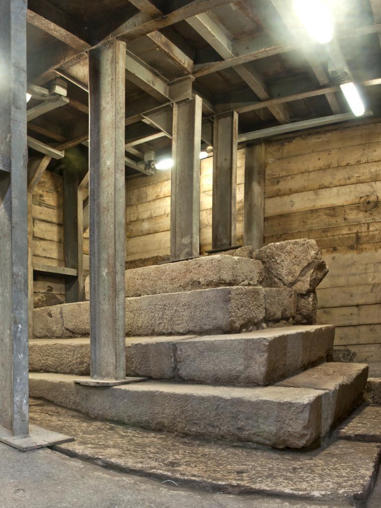 המבנה המדורג מתקופת בית שני. צילום: שי הלוי, באדיבות רשות העתיקות