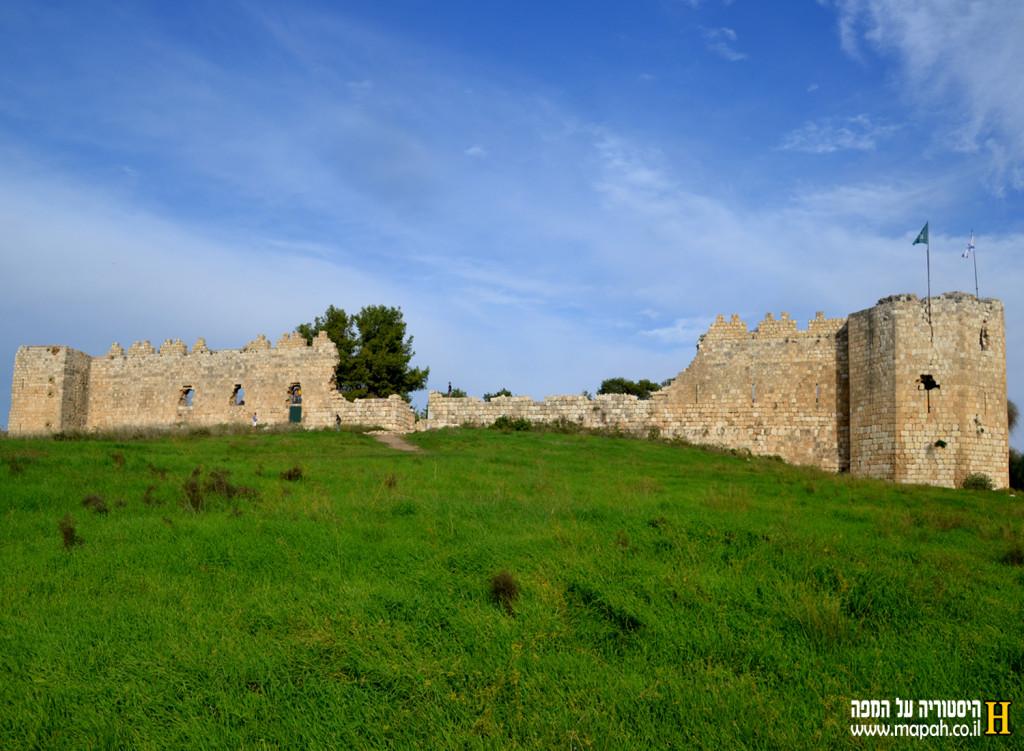 צידה הדרומי של מצודת אנטיפטרוס - צילום: אפי אליאן