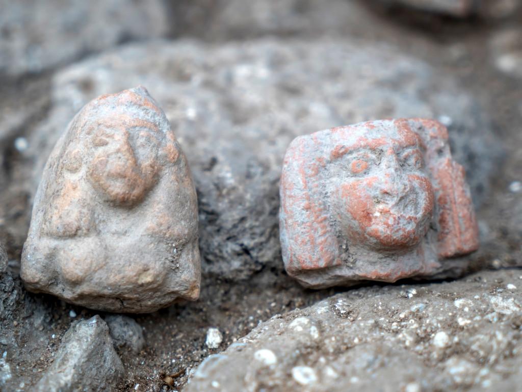פסלוני נשים מתקופת הברונזה המאוחרת. צילום: ערן גילוארג