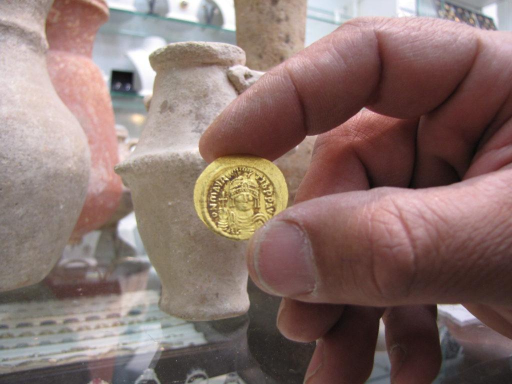 מטבע זהב מהתקופה הביזנטית