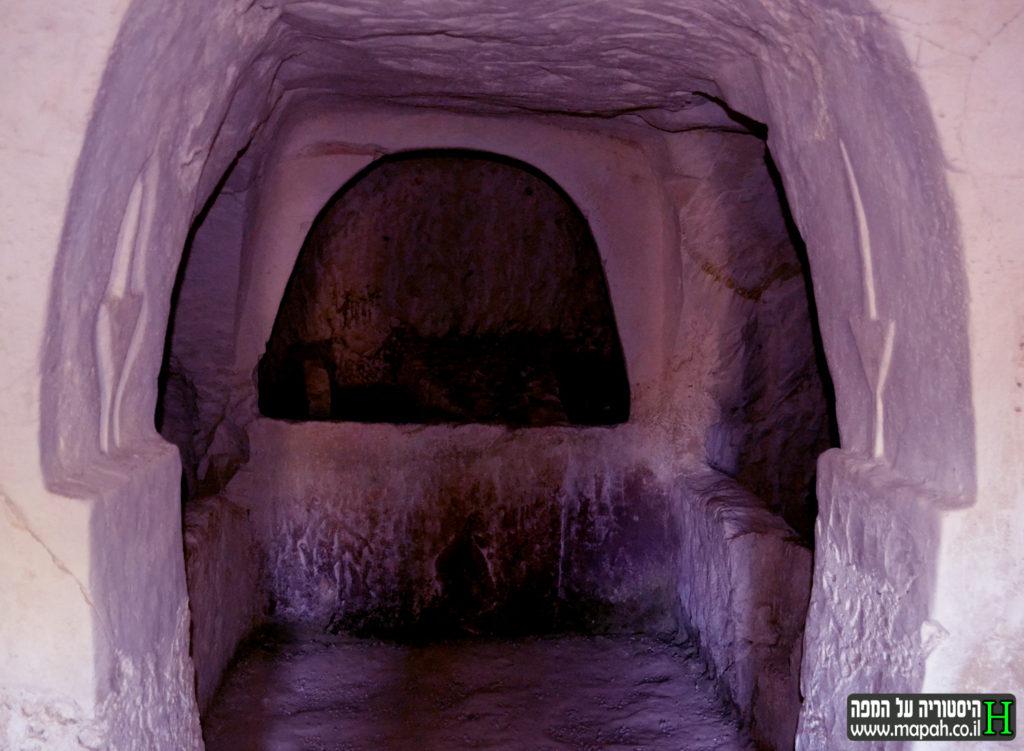 המחילה המובילה למערת הלולבים בבית שערים - צילום: אפי אליאן