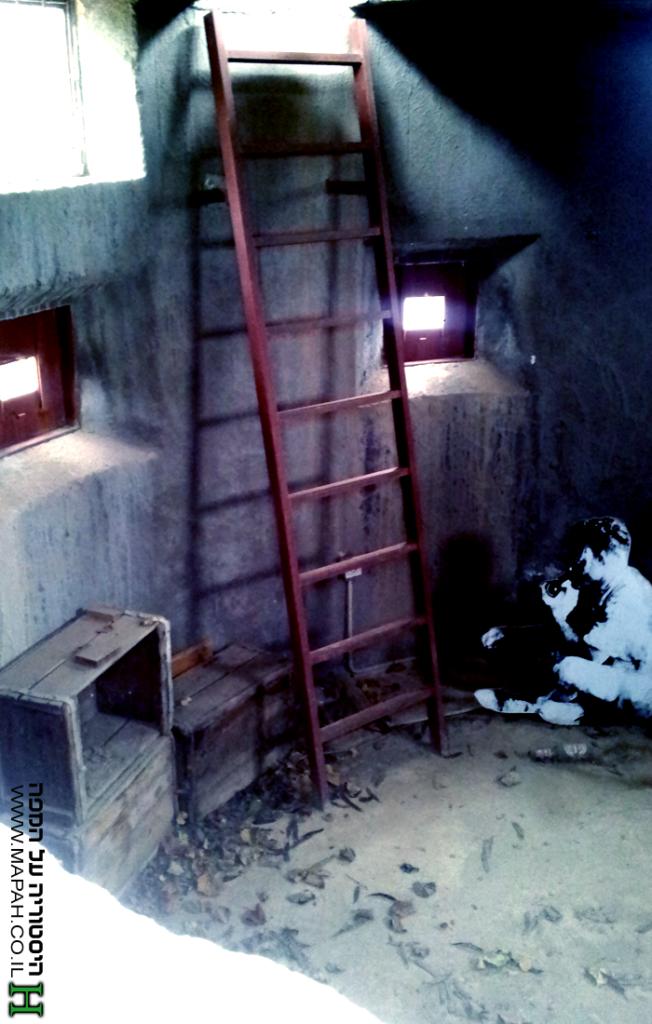 חלקו הפנימי של חלקו האחורי של הפילבוקס בכניסה למושב גורן - צילום: אפי אליאן
