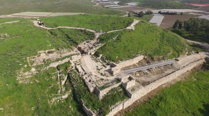 """שרידי """"מקדש שער"""" נחשפו בחפירות בתל לכיש"""