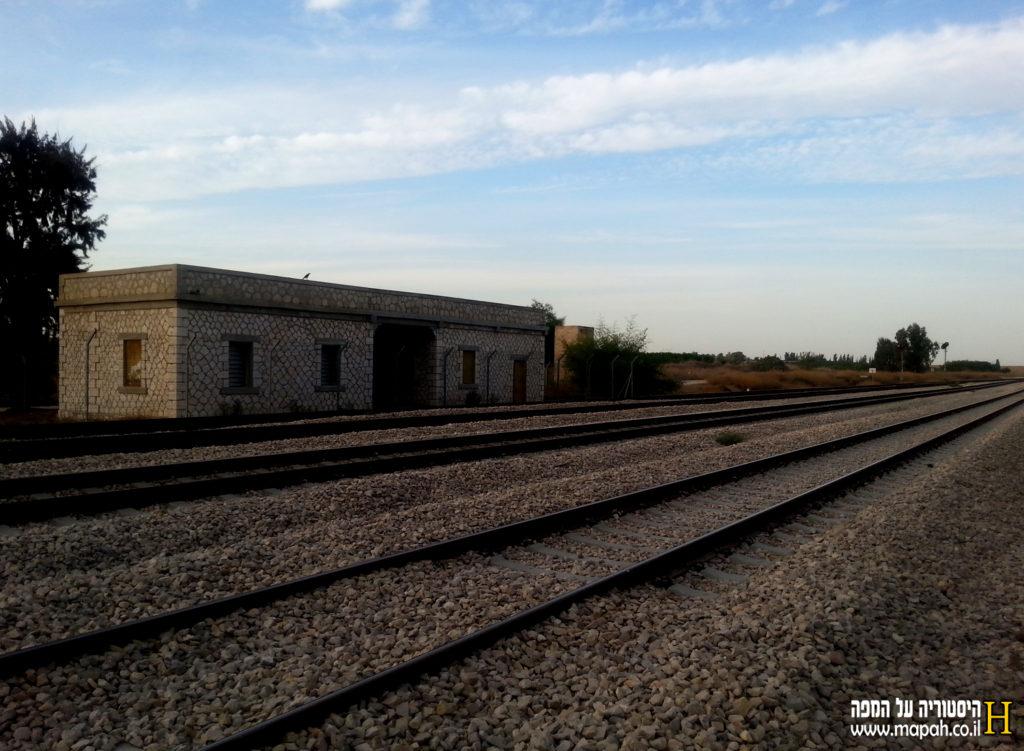 מבט מדרום לצפון בתחנת הרכבת נען - צילום: אפי אליאן
