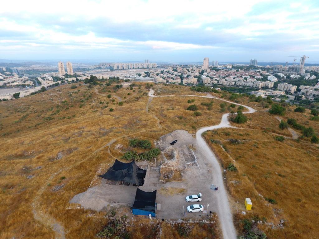 חפירת התיתורה במודיעין – צילום אווירי: יצחק מרמלשטיין