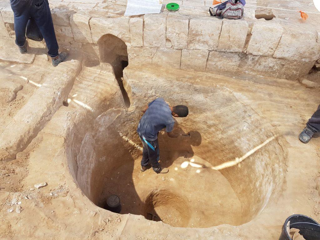 עבודות החפירה בגת. צילום: טלי גיני