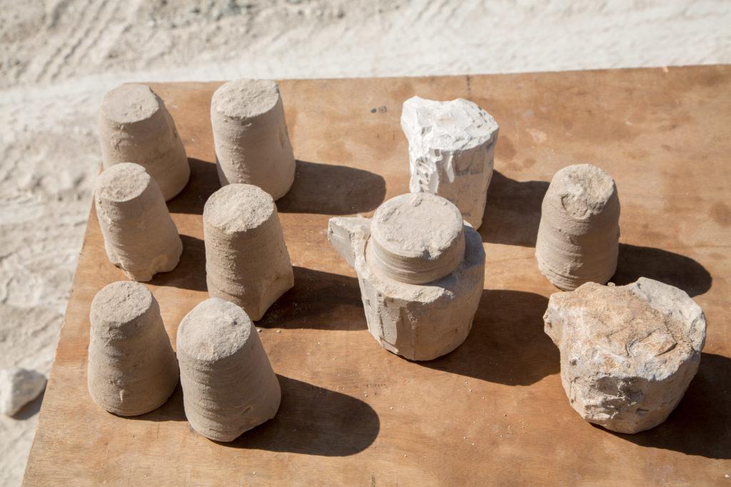 כלי האבן שנחשפו בבית היוצר