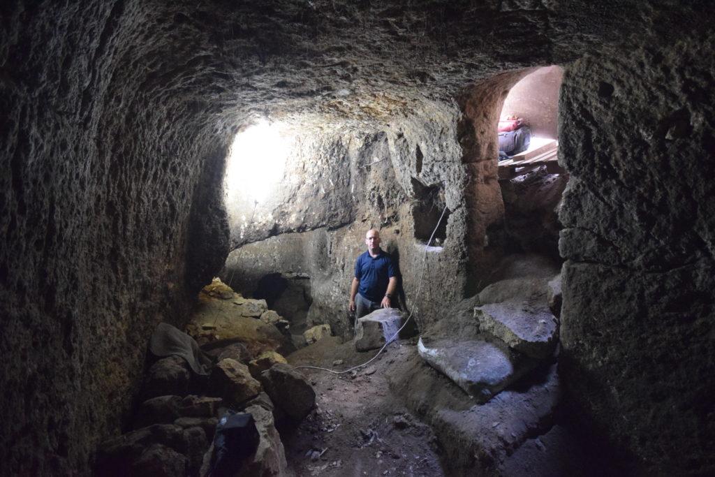 פנים המערה - צילום: רשות העתיקות