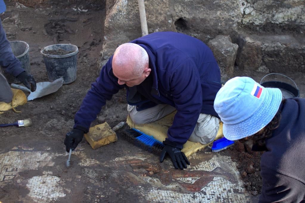 המבנה המפואר מהתקופה הביזנטית, שמתחתיו נחשף הפסיפס המרהיב מהתקופה הרומית. צילום: אסף פרץ