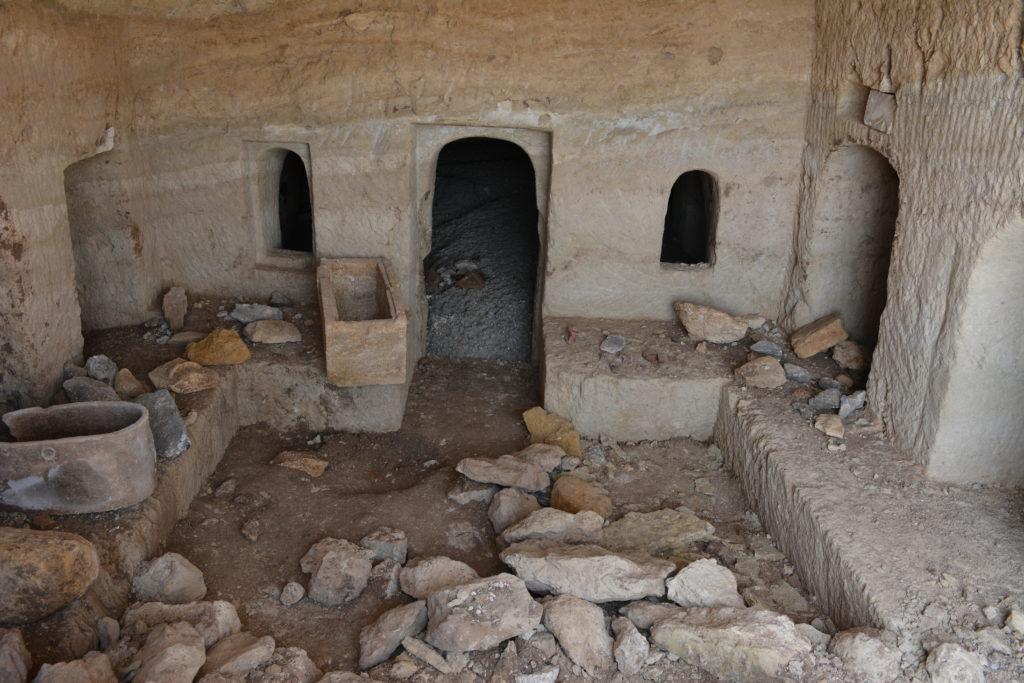 מרכז מערכת הקבורה בטבריה - צילום: מיקי פלג, רשות העתיקות