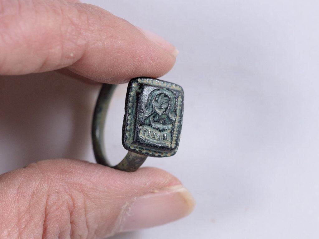 הטבעת. צילום: קלרה עמית, רשות העתיקות